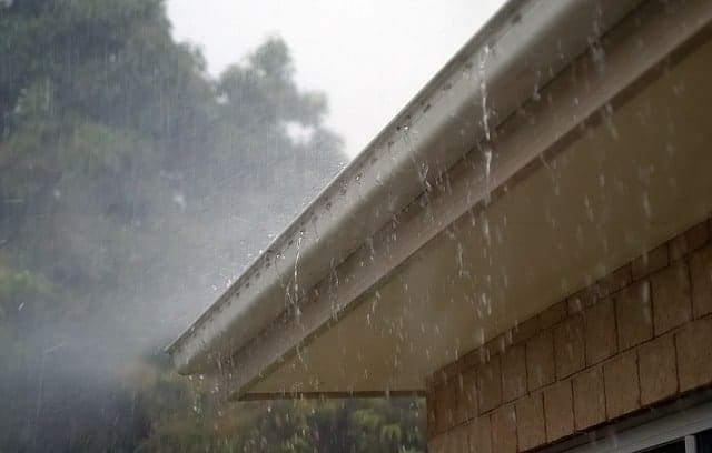 Cleaning and Repairing Your Home's Gutter